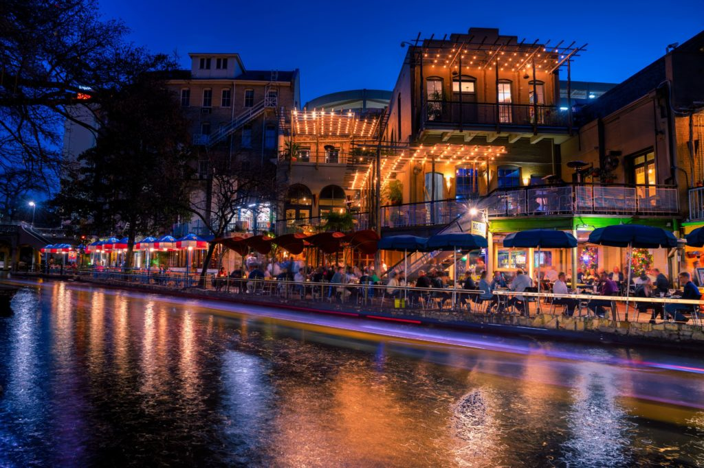 san antonio riverwalk restaurant texas